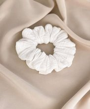 Gumka scrunchie do włosów Plume, Cream