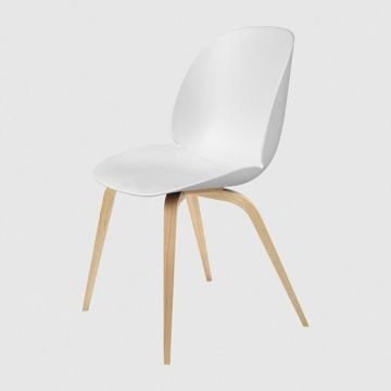 Krzesło Gubi, model Beetle Dining Chair, Oak Base/Soft White